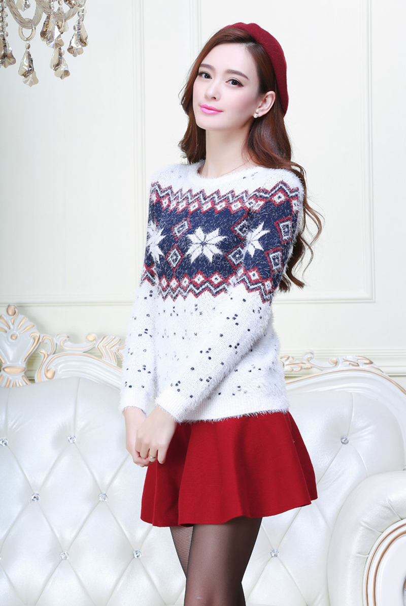 5a773de104 New Winter Women Sweaters And Pullovers Long Sleeve Couple Christmas  Sweater Snowflake Thick Christmas Jumpers Cashmere Sweater-in Pullovers  from Women s ...