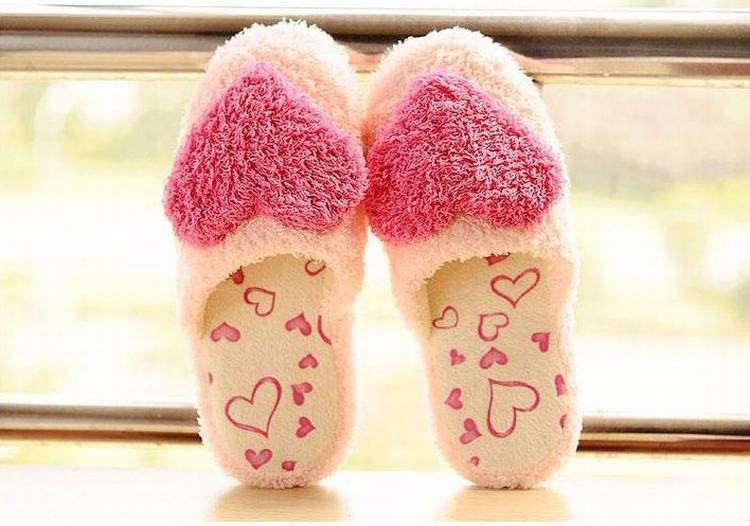 Women Sweet Warm Plush Home Slippers Winter Cute Heart Pattern Classy Soft Fluffy Indoor Slipper Home Shoes for Lovers Pantuflas цена 2017