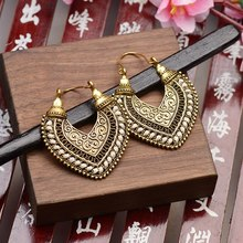 TopHanqi Heart-shaped Alloy Dangling Earrings For Women Fashion Jewelry Bohemian Vintage Temperament Simple Elegant Earrings
