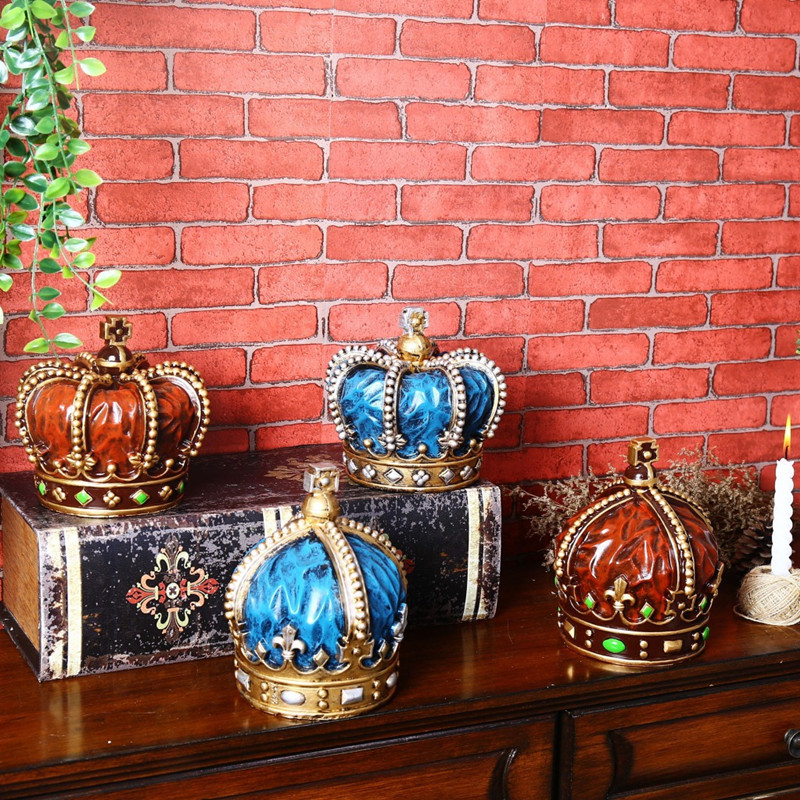 Creative Retro Resin court Crown desktop coffee shop sitting room Decoration furnishing articles Gifts