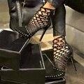 De lujo Remaches Bombas Diseñador de la Marca Bombas de Las Mujeres Sandalias de Tacones Altos de Las Señoras Remaches Zapatos 12 cm tamaño 35-40 Elegante negro banquete zapato