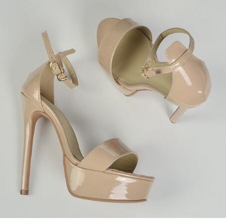 eae03727d Nova moda nude couro de patente mulher sandália 2017 sexy plataforma do  dedo do pé aberto sapatos de senhora do escritório com tira no tornozelo  sandália de ...