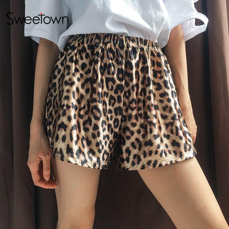 Sweetown Plus La Taille Shorts D été 2018 Lâche Occasionnel Leoard Shorts Femmes  Streetwear Pantalon 2992ca5d28b