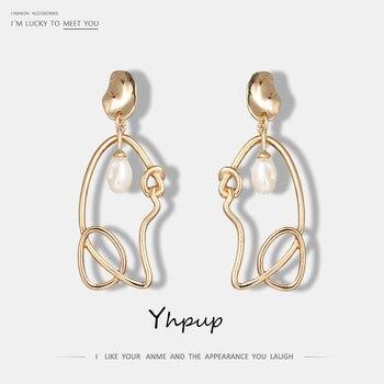 de053e78f369 Yhpup Japón moda coreana perla dorada Irregular pendientes colgantes para  mujeres lindo encanto fiesta boda joyería Brincos Bijoux