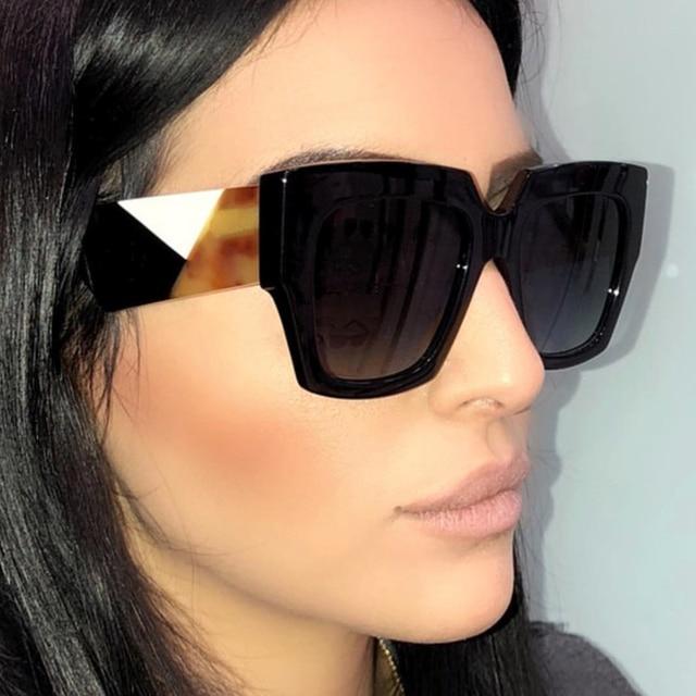 0eff85ba1 Pop Idade Nova Itália Marca Quadrados Óculos De Sol Mulheres Designer de  Marca Retro Celebridade Feminina
