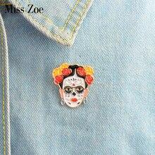 adede55e9 Pintor esmalte pin Pin flores peinado mujer cara Zombie placa broches regalo  de iconos de arte Denim camisa abrigo vestido botón.