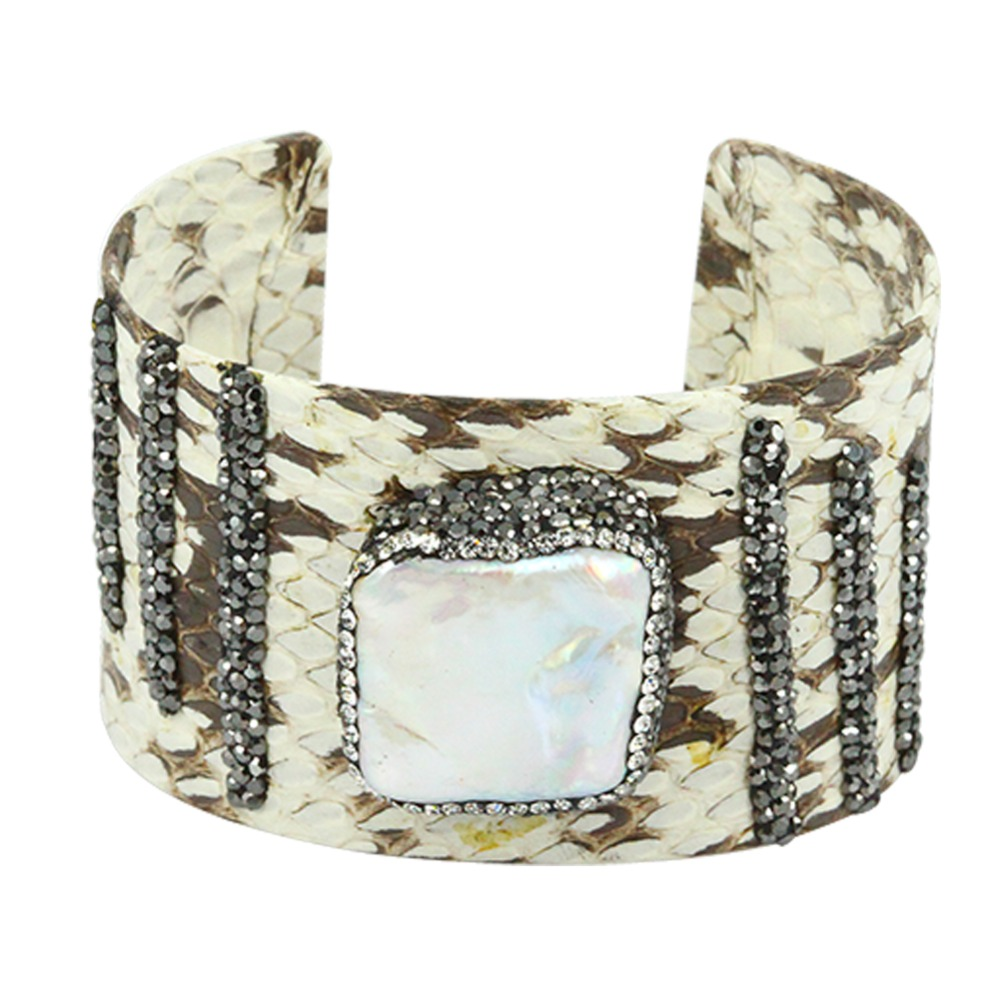 2017 Hot Sale Designer Jewelry Top Quality Bangle Natural Leather Gem stone Inlay Rhinestone Pattern Bangle Open Cuff for Women