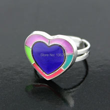 Moda mulheres homens Noctilucent coração anel de cor mudança emoção mutável anéis casal de presente MR111