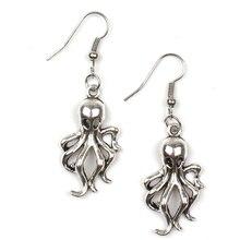 1pcs Fashion 2019 Mini Spider Bee Octopus Earrings Retro Alloy Cute Animal Earring Silver Ear Hook Man Woman Charm Gift Souvenir