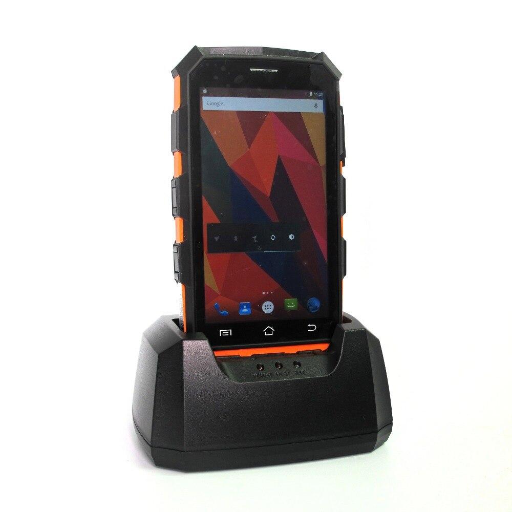 Di alta Qualità Palmare PDA 4g Mobile di WIFI Collettore di Android 7.0 RFID 1D 2D Laser Scanner di Codici A Barre con Impugnatura a Pistola base di Ricarica