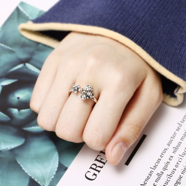 Chic Adjustable Open Ring Sexy Womens Cute Honey Bee And Flower Finger Ring Cool
