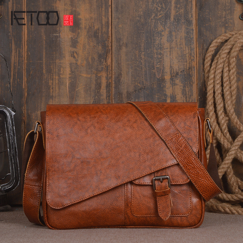 AETOO New men's first layer of vegetable tanned leather shoulder bag hand Sassafras color Messenger bag fashion leisure A4 bag aetoo leather men bag new retro first layer of leather handbag large capacity vegetable tanned leather shoulder bag