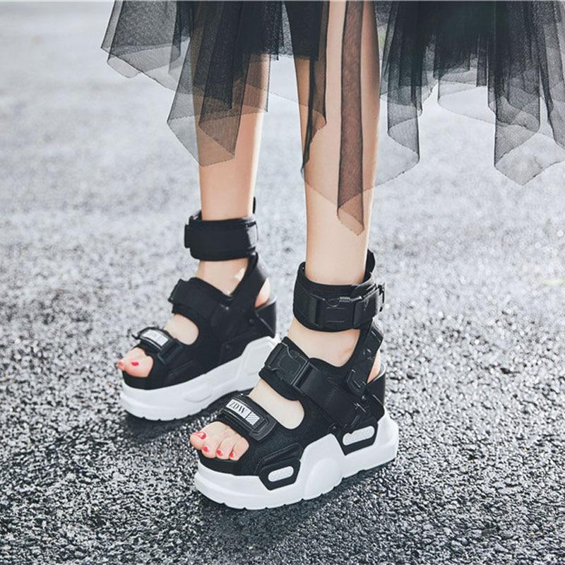 Wysokie szczyty letnie sandały buty damskie skórzane buty na koturnie wysoki obcas Sandały gladiatorki Rhinestone Sneakers trenerów buty w Wysokie obcasy od Buty na  Grupa 2