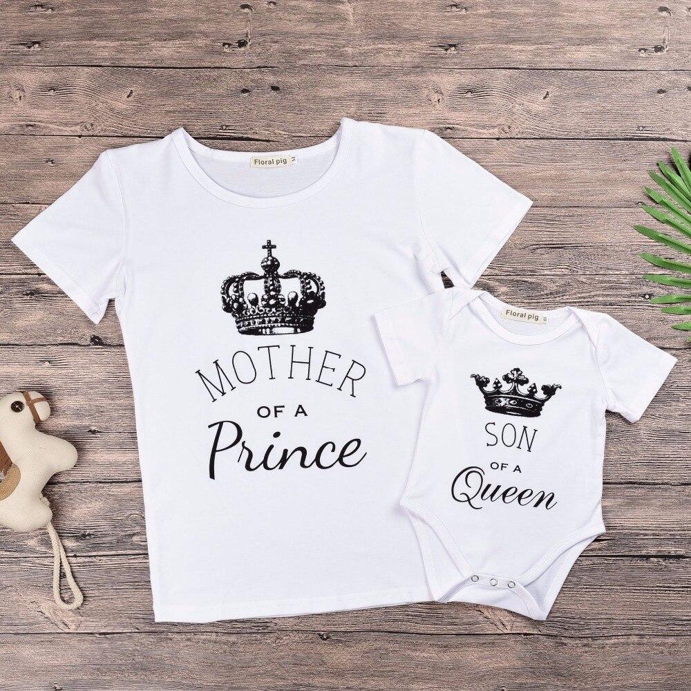 Мамы и сына комплекты одежды императорская корона Белый Письмо печати Детские Боди для маленьких мальчиков «Мама и я» детские короткие лет...