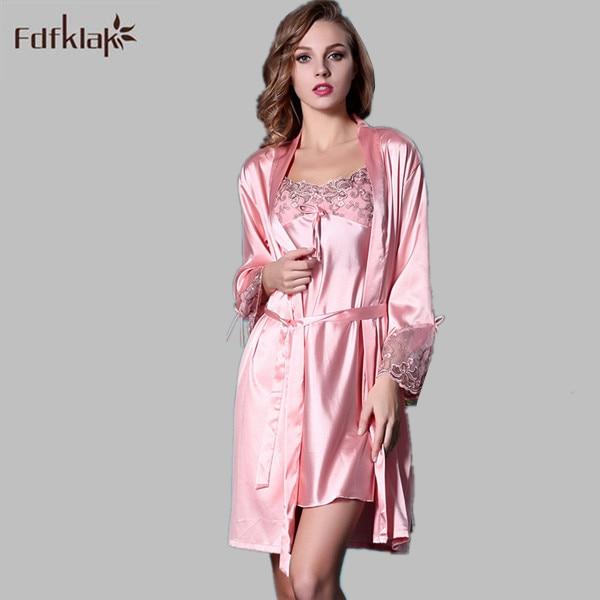 7ba56aa71a 2017 Fashion Silk Lace Robe Women Sexy Robes Set Bridesmaid Robes Slim  Short Summer Dressing Gowns 2 Pieces Sleepwear M XL Q11-in Robes from  Underwear ...