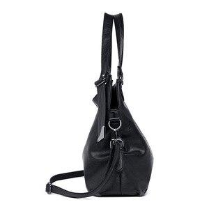 Image 4 - 2020 Large Capacity Women Messenger Bag Designer Women Bags Real Leather Luxury Ladies Shoulder Bag sac a main Lady Big Tote