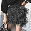 2017 de Tendencia de Las Mujeres Top Color Sólido De Lujo De Plumas de Diseño De Moda Mini Falda Recta de La Cintura Estirada de Calidad Delgada Faldas