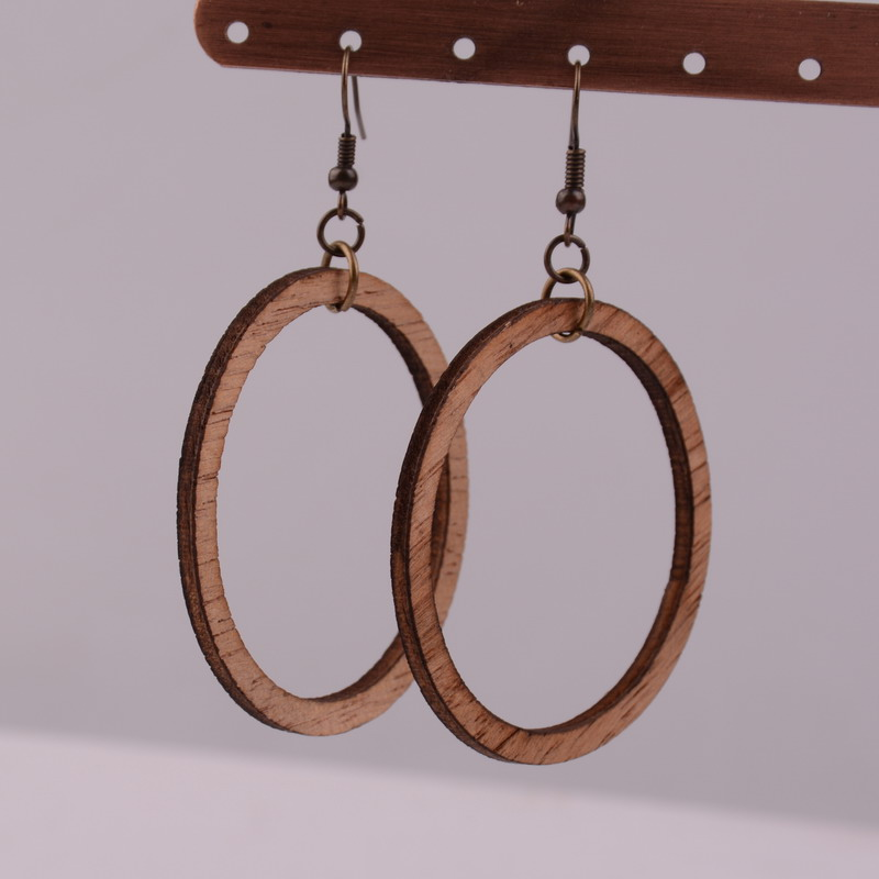 2020 New Earrings Woman African Wood Round Hollow Fashion Jewelry Eardrop 1 Pairs Round Design Personality Hollow Hoop Earrings