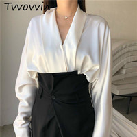 TVVOVVIN Women Blouses Retro Sexy Silk Women Shirts VNeck Bat Sleeve White Silk Blouse Loose Women Tops All Match Top White V948