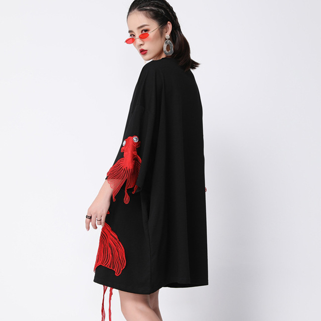 [EAM] 2020 nouveau printemps été poignet manches O col poisson broderie pull femmes mode marée ample genou longueur robe OA868