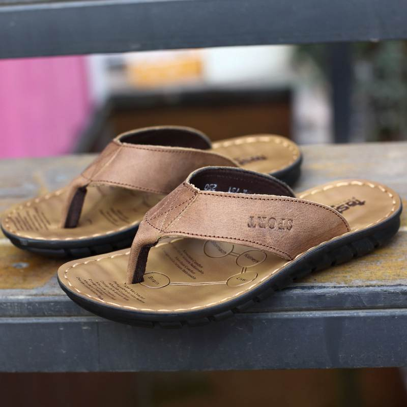 e4c56431c3 VANSISCOU Men Beach Slippers Cow Leather Fashion Flip Flops Male Soft Sole  Breathy Summer Flats Sandals Outdoor Zapatos Hombre-in Men s Sandals from  Shoes ...