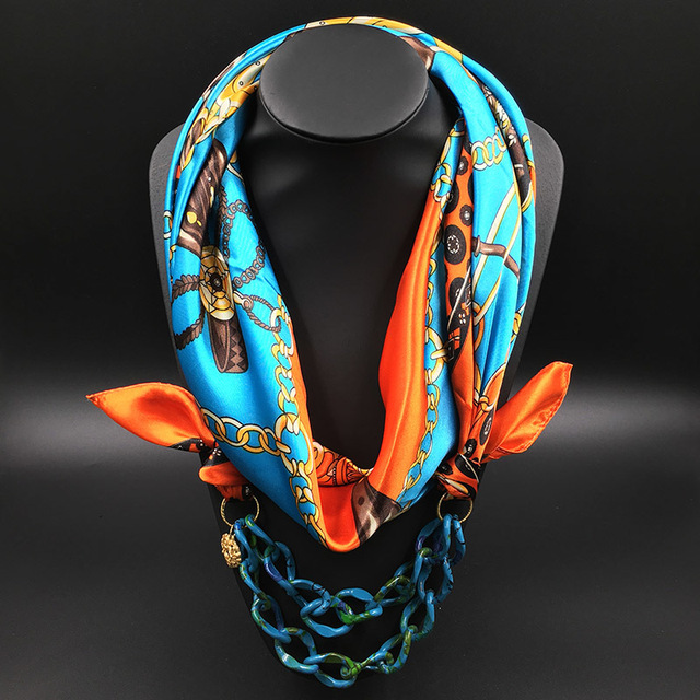 2017 Nueva Primavera de la moda Las Mujeres Collar de la Bufanda de Seda Color de La Decoración Cadena Colgante Largo Pañuelo Para El Cuello Bufandas Impreso Silenciador