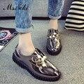 Nueva Moda rebordear mujeres del Cuero de Patente zapatos de dedo del pie redondo sólido señoras ocasionales pisos 2016 Rhinestone verano resbalón en los zapatos de un solo