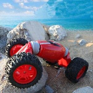 Image 2 - Kipper Auto Modell Fernbedienung Off road Stunt Twist High speed Fahrzeug Verformung Drehmoment Vier rad Stick klettern Auto Spielzeug 2,4g