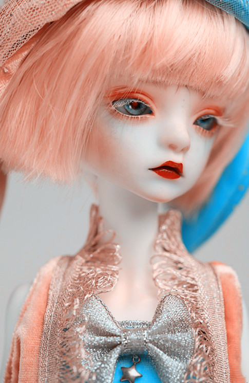 1//4 BJD Bella Doll free eyes with face make up Dolls Resin