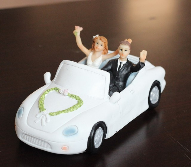 cool wedding cake toppers engagement party bride and groom in the     cool wedding cake toppers engagement party bride and groom in the car  figurines cake topper decor