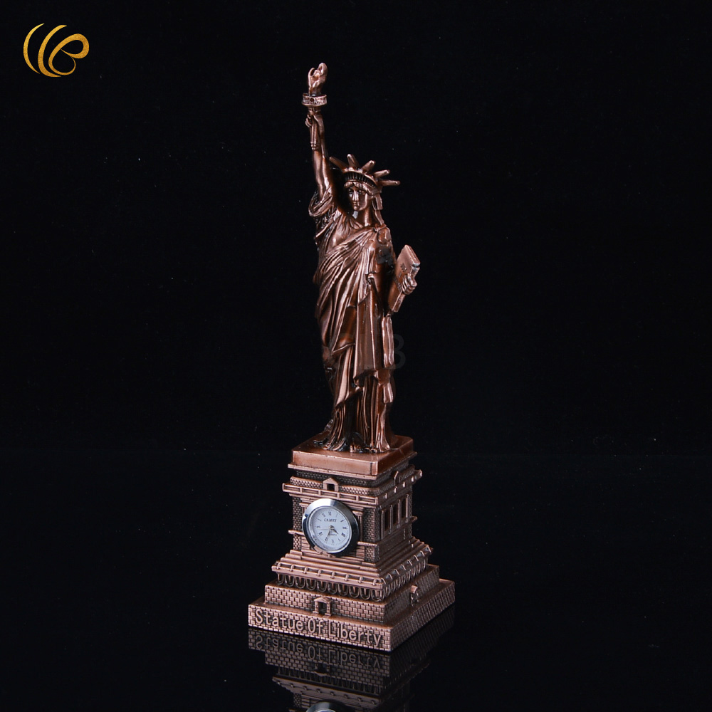 Bronze First New Years Celebration Statue of Liberty Iron Decoration Models Unique Fashion Desk Decor Metal Craft for Home Decor