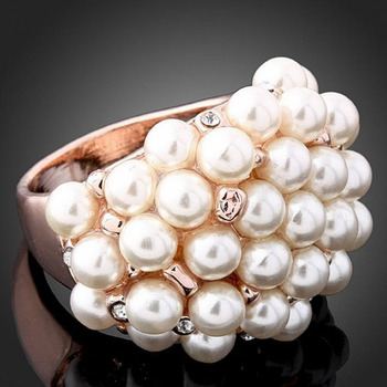 Big Imitation Pearls Ring