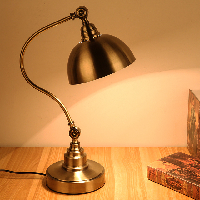 Lovely Exquisite American Style Vintage Bedside Table Light Antique Brass Vintage  Table Lamp Dimmable Retro Bronze Table