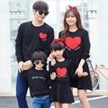 Мода Семья Посмотрите Одежда Красное Сердце С Длинными рукавами Толстовки Для Отца Сын Соответствующие Наряды Одежда Платья Для Матери Дочь
