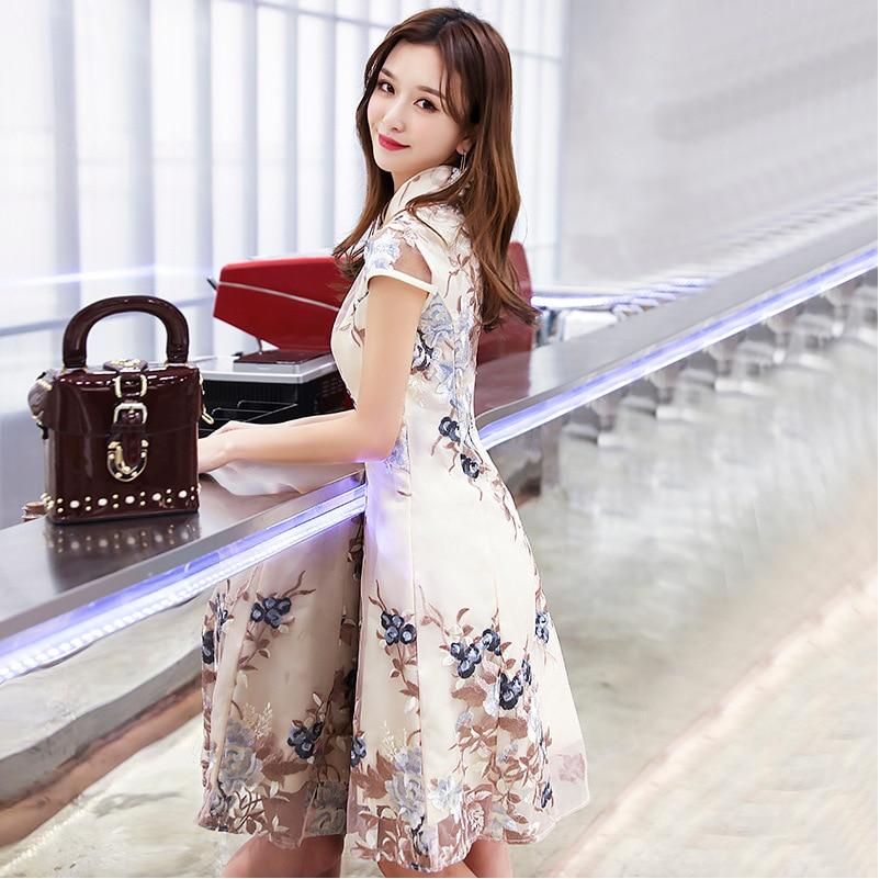Champagne Traditional Chinese Dress Qipao Ladies Evening Dresses Vintage Cheongsam Women Bride Short Lace Cheongsam Modern
