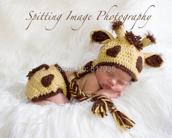 Envío gratis, 100% hechos a mano de ganchillo amarilla jirafa del sombrero y cubierta del pañal set Newborn apoyo de la foto tamaño meses