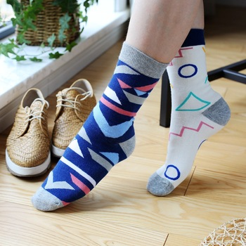 Hot Sale New Spring Cute Cartoon Cotton Women Animals Socks 10 Colors Women/Men Funny Lovely Kawaii Happy Christmas Socks