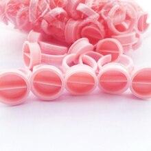 100 pcs Rosa Anéis de Separador de Pigmento Descartável Microblading Tinta Permanente da Composição Do Tatuagem Copa ink Titular Anéis de Tamanho Médio