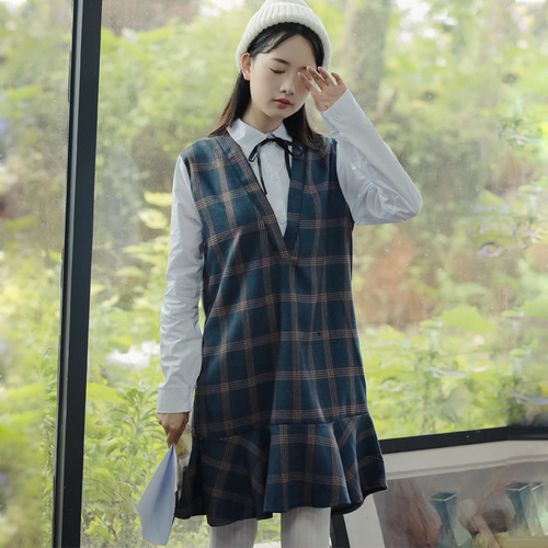 Winter Dress Women 2017 Preppy Style Vintage Plaid Patchwork Bow Turn Down  Collar White Shirt Ruffles Fake Two Piece Dress 1387 9599e90c6