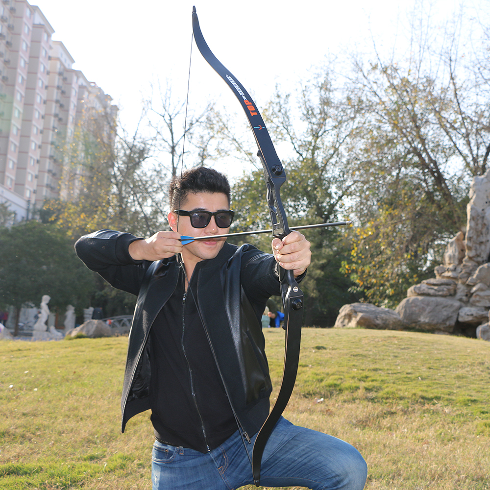 56inch 30-50lbs Archery Recurve Bow Take Down Bows Metal Riser Hunting Shooting Bow Black Training Takedown Bow with Bag Rest цена 2017
