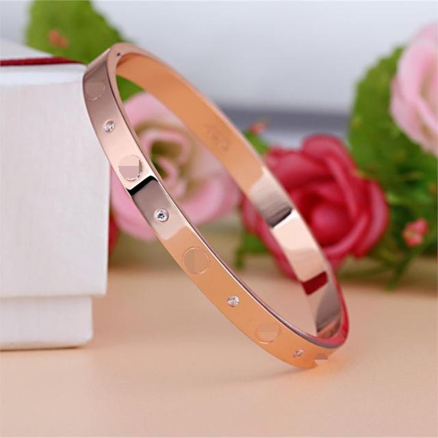 Marque de luxe Bijoux Argent/Or Plaque avec Unique En Forme Inlay Strass Charme Bracelet Bracelets pour les Femmes Parti