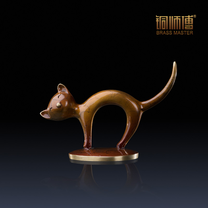 Silly mini cat figurine home decoration brass copper cat for Articles decoration
