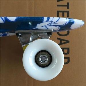 Image 5 - Mini Tabla de Skate completa de 22 pulgadas con patrón de flores blancas para que niña y niño disfruten del Mini cohete de skateboarding