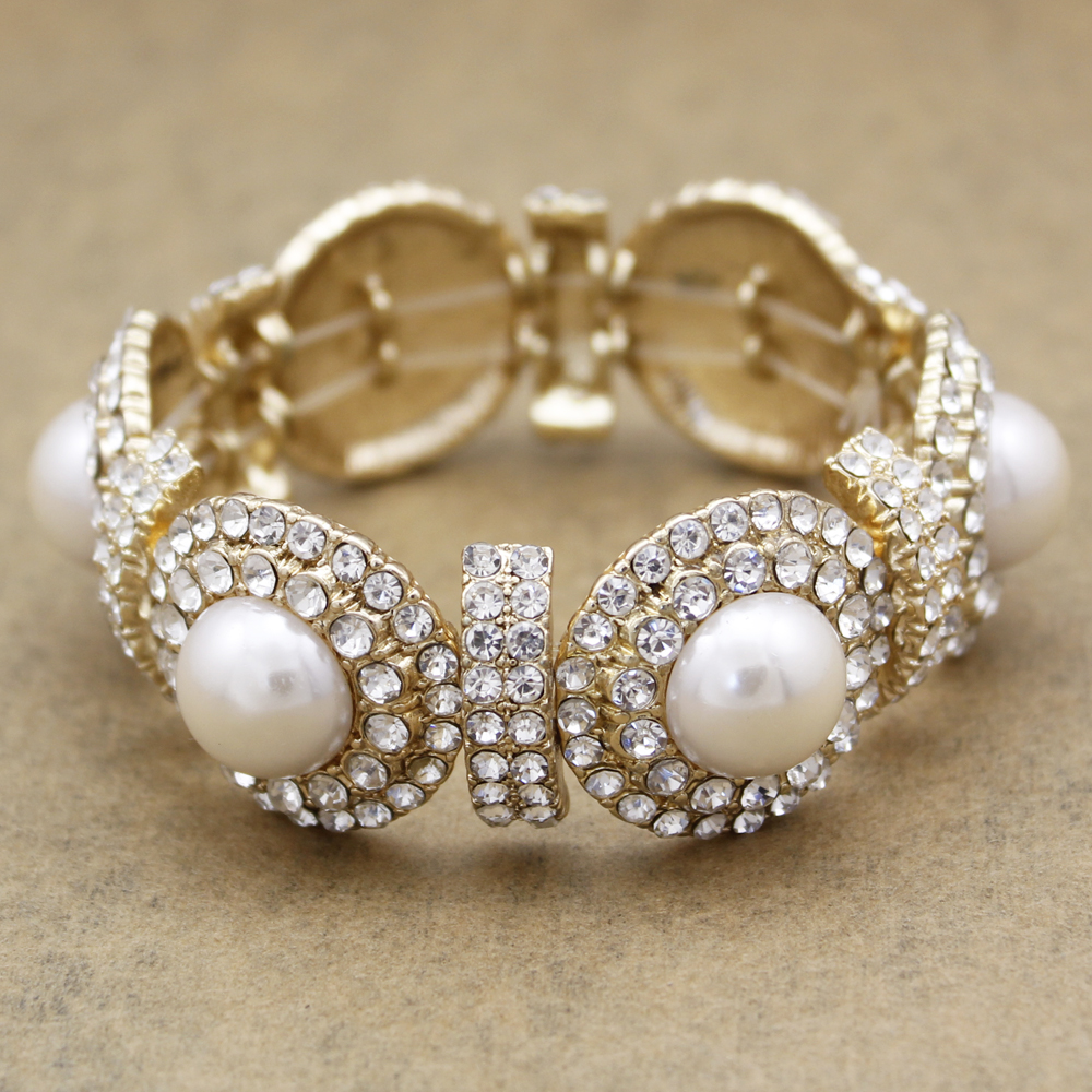 20's Jewelry: Home Of Modern Fashion