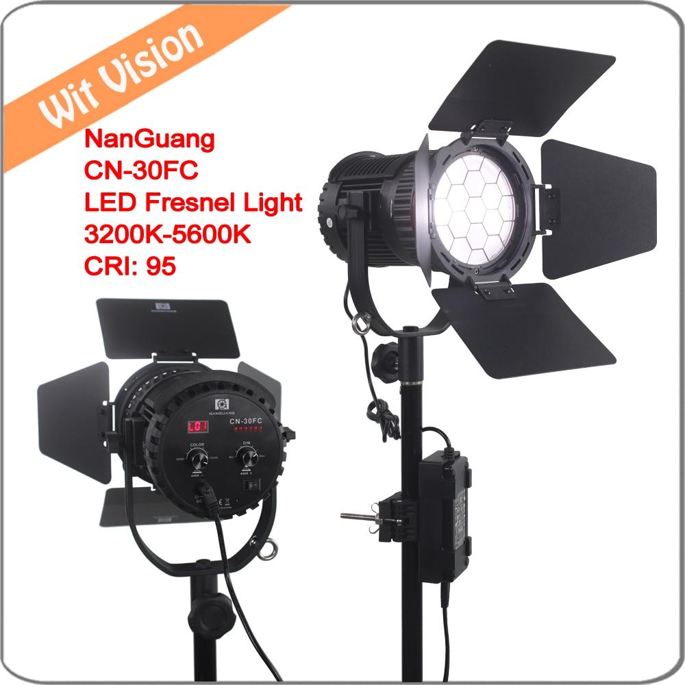 Nanguan CN 30FC Bi Color LED Fresnel Light 3200K 5600K Adjustable Brightness Bag LCD Digital Display