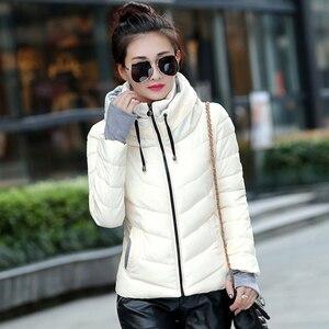 Image 3 - 2019 kurtka zimowa kobiety Plus Size kobiet parki zagęścić odzież wierzchnia jednolite kurtki z kapturem krótkie kobiece szczupłe bawełniane ocieplane proste topy