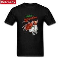 Moda Adultos de Encargo Alimentada Por Sriracha Camiseta Elástico de Algodón Ecológico Impreso camisetas Para Hombre Medio