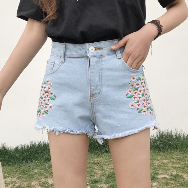2017 summer new Korean female all-match embroidered loose high waist jeans shorts wide leg pants pants tide flash