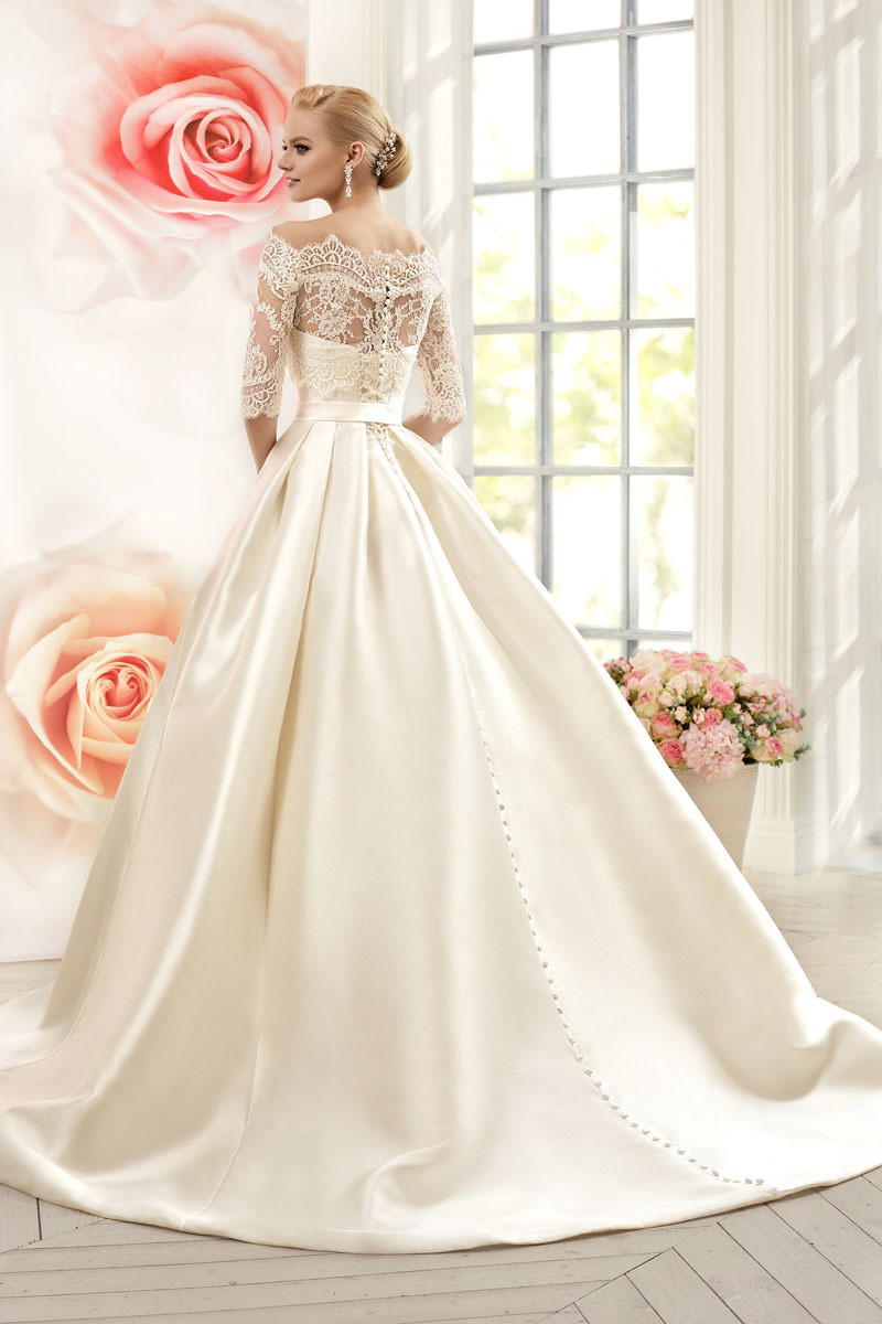 Vnaix W3099 Luxruy Ball Gown Lace Wedding Dresses 2017 Satin With Jacket See Though 3/4 Sleeves Sweep Train Bridal Wedding Gown 4