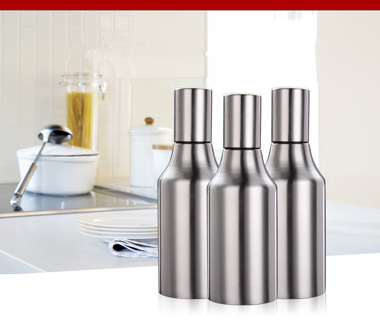 Leakproof Oil Pot//Olive Oil Bottle//Olive Oil Can Storage Container 500ml Olive Oil Dispenser Oil Drizzler//Vinegar Pourer with Handle Stainless Steel Oil Bottle
